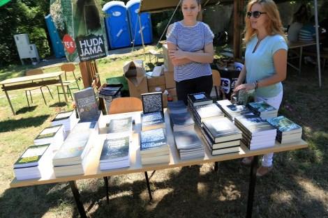 Ni prodavači knjiga, bez obzira na tematiku