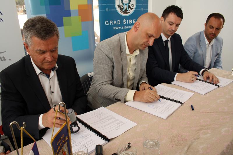 Potpisan ugovor: Šibeniku bespovratnih 41,5 milijuna kuna za obnovu sv. Ivana (Tanaje)