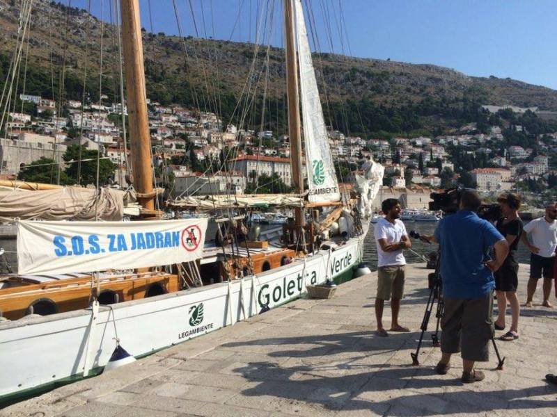 Brod kreće prema Albaniji