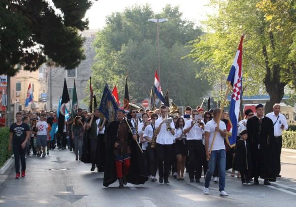 Mimohod ulicama Šibenika/Foto: J.Krnić
