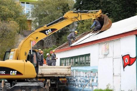 Početak rušenja stare zgrade (foto TRIS/J. Krnić)