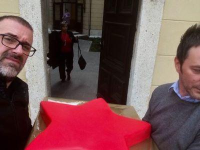 'Diverzanti' u trenutku neustrašivog povlačenja na rezervne položaja (foto Facebook)