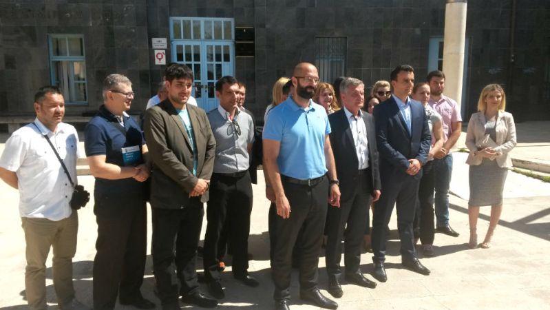 Lista HDZ-a ispred šibenske Gradske uprave (Foto: TRIS)