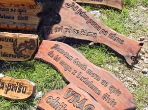 Mudrosti urezane u drvo i pamćenje (Foto: Tris/J. Krnić)