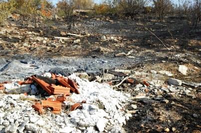 Požar je otkrio deponije smeća (foto TRIS/G. Šimac)