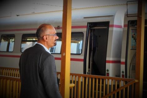 Kninski gradonačelnik dočekuje nagibni Vlak slobode (foto TRIS/G. Šimac)