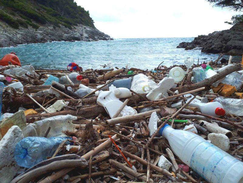 Plaže jadranskih otoka zatrpane su plastikom