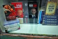 Todorić i Putin u raspadajućem izlogu (foto TRIS/G. Šimac)
