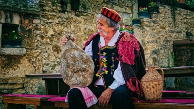 Jestivi festival: Međunarodni festival pršuta u Drnišu