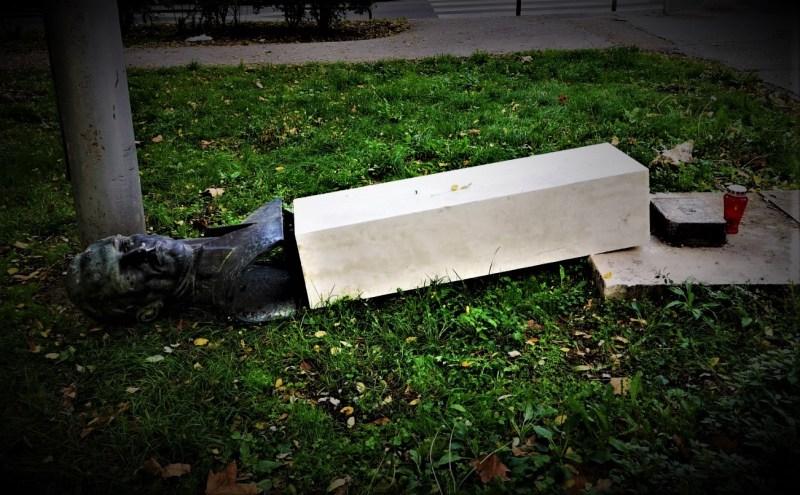 Ležeći spomenik (foto Facebook)