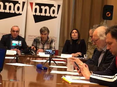 Zovko, Romac i Mikleušević-Pavić na press konferenciji (foto Facebook)