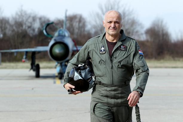 Ivan Selak, umirovljeni vojni pilot: Tko govori da će avioni iskorišteni više od amsterdamske prostitutke biti jeftiniji za održavanje od novih, sve govori o sebi…