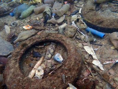 Podmorska sramota na Žnjanu: Gomile smeća čekaju akciju 'Čisti Božić i bistra Nova godina'