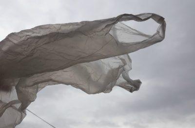 Od početka godine lagane plastične vrećice moraju se naplaćivati no mnogi se trgovci još uvijek toga ne drže