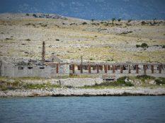 Otok razvalina (foto TRIS/G. Šimac)