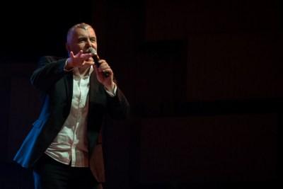 Posveta jednom prijateljstvu: Zoran Predin pjeva Arsena u rodnom gradu velikog umjetnika