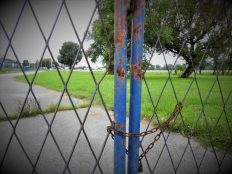 Vrata obližnjeg hipodroma (foto TRIS/G. Šimac)