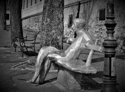 Spomenik Antunu Gustavu Matošu na zagrebačkom Gornjem gradu