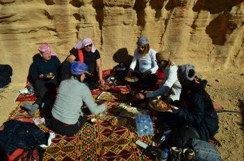 Ručak u pustinji (foto: Joso Gracin Joka/Nina Živković)