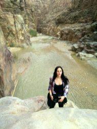 Anđela na ulazu u Wadi Mujib (foto J. Gracin)