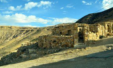 Kamene ruševine u selu Dani (foto Joso Gracin)