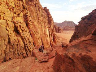 Među stijenama iznad beduinskog kampa (foto Nina Živković )