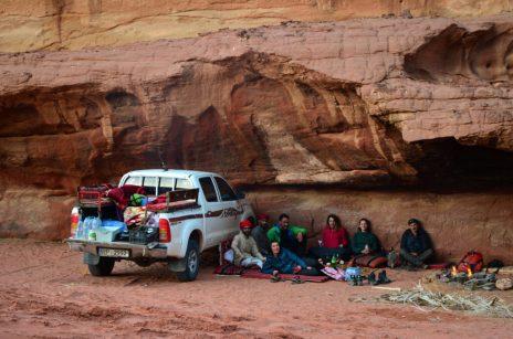 Mjesto našeg špilja-partya, skriveno duboko u pustinji (foto Joso Gracin)