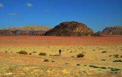 Nina i Anđela u pustinjskom bespuću (foto Joso Gracin)