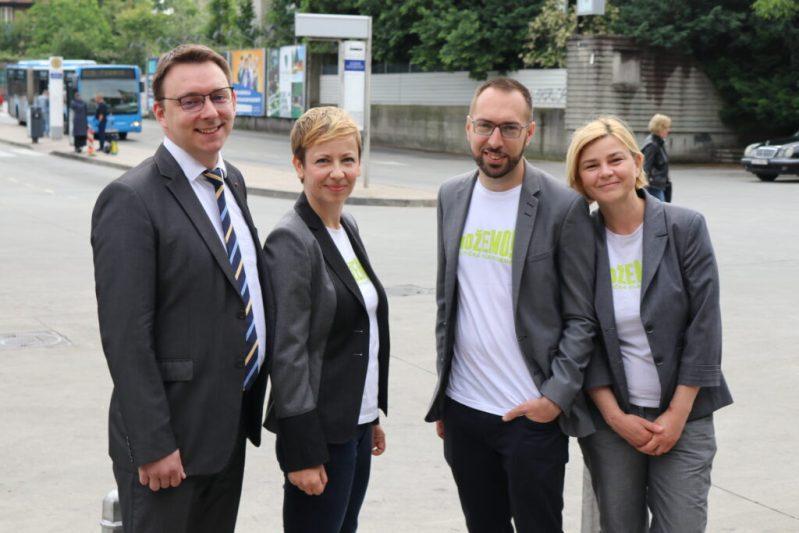 Glavašević, Dolenec, Tomašević i Benčić na autobusnoj postaji