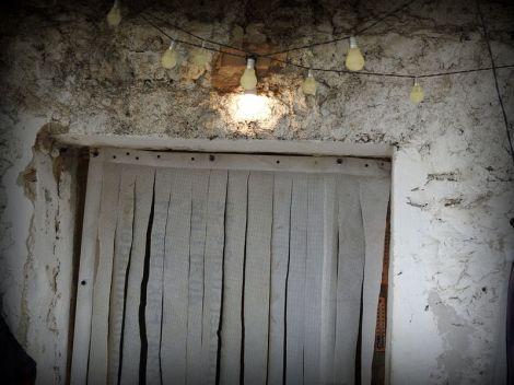 Ulazna vrata i žarulja foto TRIS/G. Šimac)
