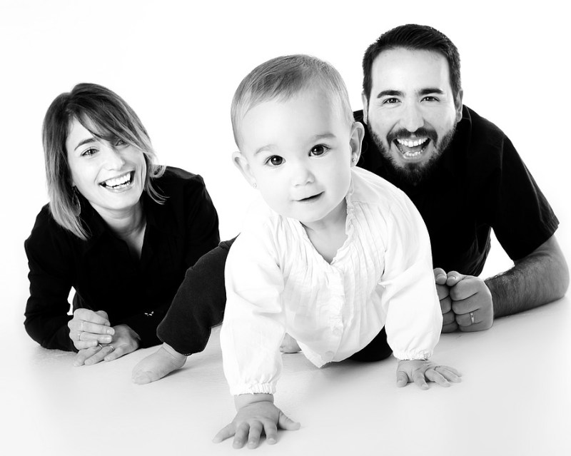 Nasmijana obitelj (foto pixabay)
