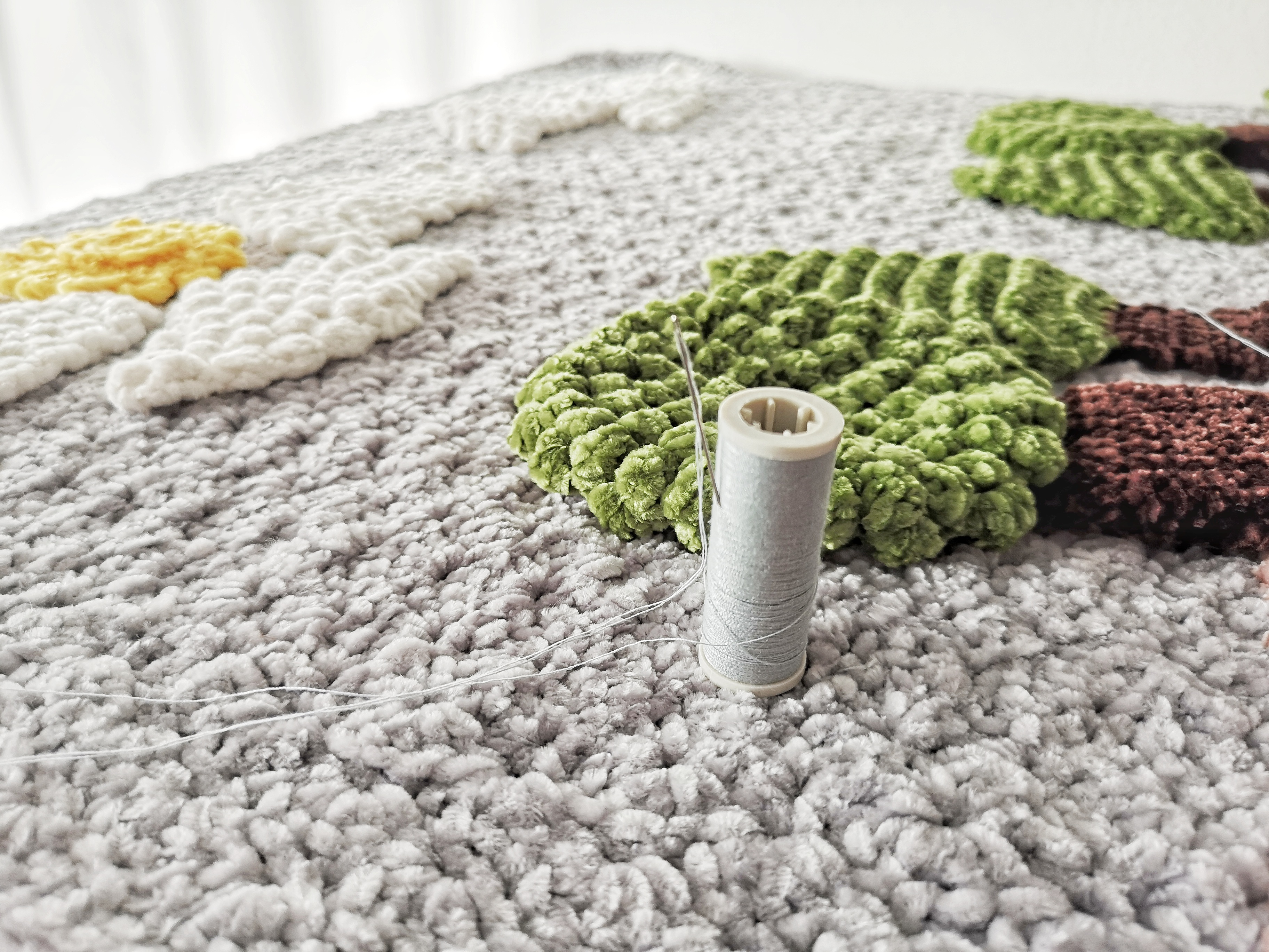 sew_elements_to_blanket_1