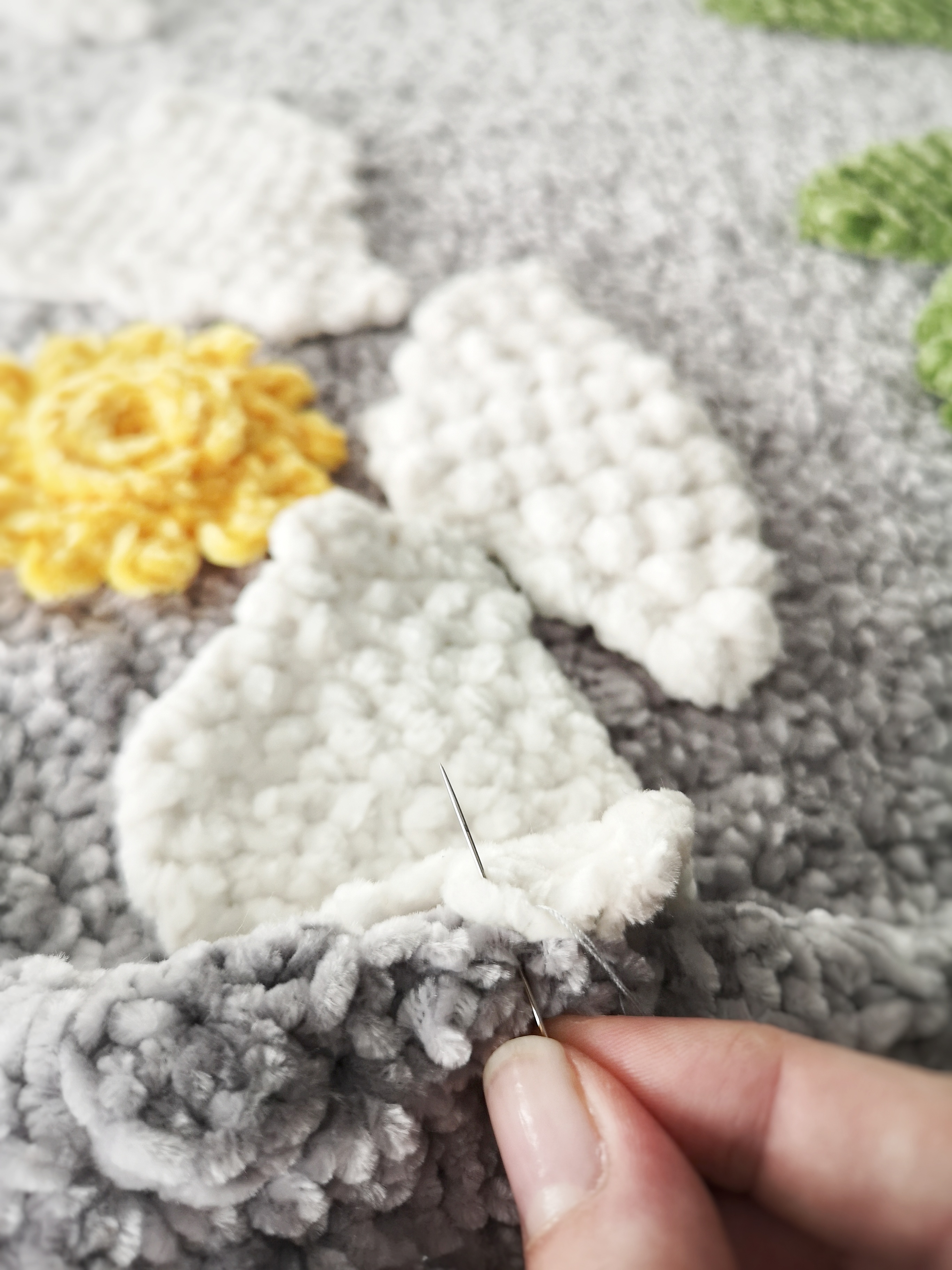 sew_elements_to_blanket_2