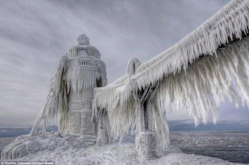 lighthouse frozen