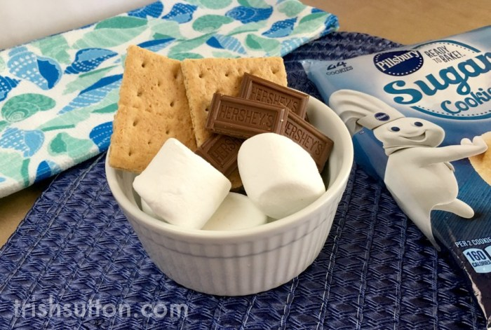 Sugar Cookie S'mores Bites Recipe; an indoor S'mores alternative!