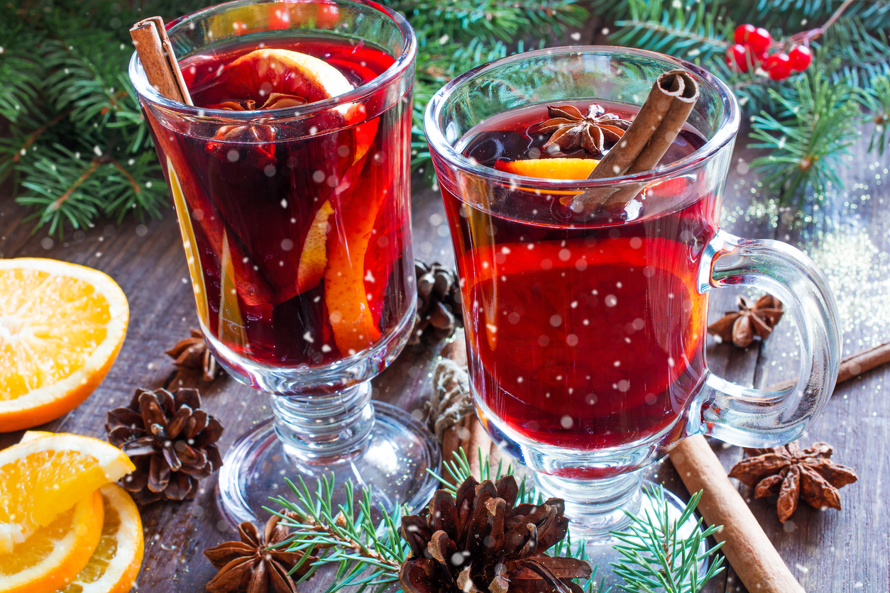 12 Easy Christmas Cocktails to Make this Holiday Season