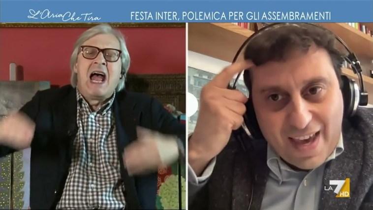 """Vittorio Sgarbi contro David Parenzo: """"Ben venga il Covid a Parenzo, tanto guarisce. La smetta …"""