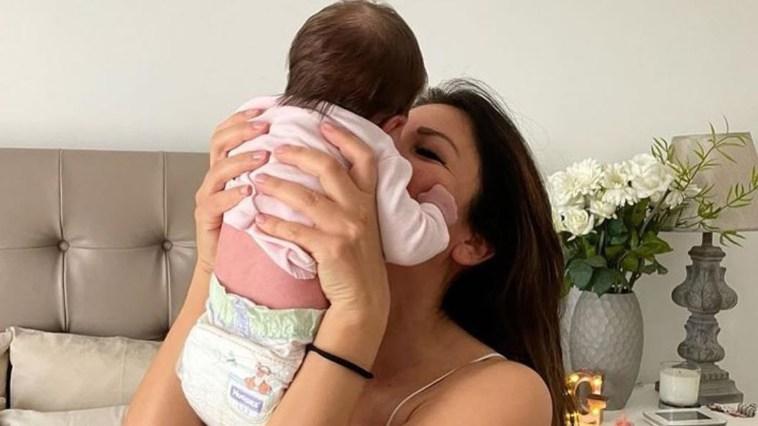 Mamma Alessia Ventura innamoratissima della sua piccola Ginevra