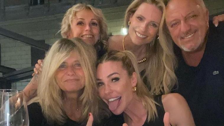 Michelle Hunziker a cena con Ilary Blasi nel cuore di Roma