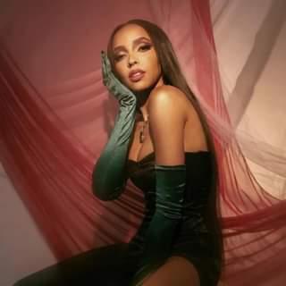 """R&B/Soul Music. Tinashe ha annunciato il suo nuovo album in studio, """"333"""", in uscita i…"""