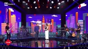 Elena Di Cioccio – Official in diretta con Luca Barbarossa e Andrea Perroni su #RaiRadio2 …