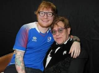 Christmas Music. Ed Sheeran ha rivelato, in una recente intervista, di avere un brano nata…