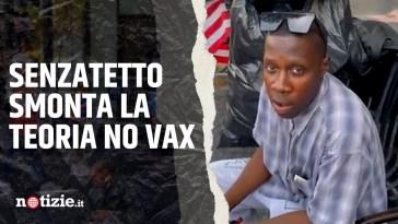 """Manifestante no vax: """"Perché i senzatetto non muoiono?"""" ma il clochard risponde: """"Sono vaccinato"""""""
