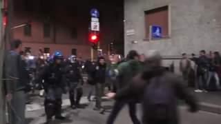 No pass a Milano, migliaia in strada e carica della polizia. Un arresto, 16 persone identi…