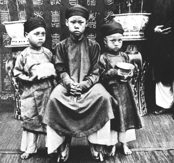 Hoàng tử, công chúa cũng phải miệt mài học tập dưới triều nhà Nguyễn