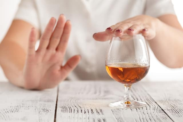 7 tín hiệu của cơ thể cảnh báo bạn không nên uống rượu nữa, bảo vệ gan