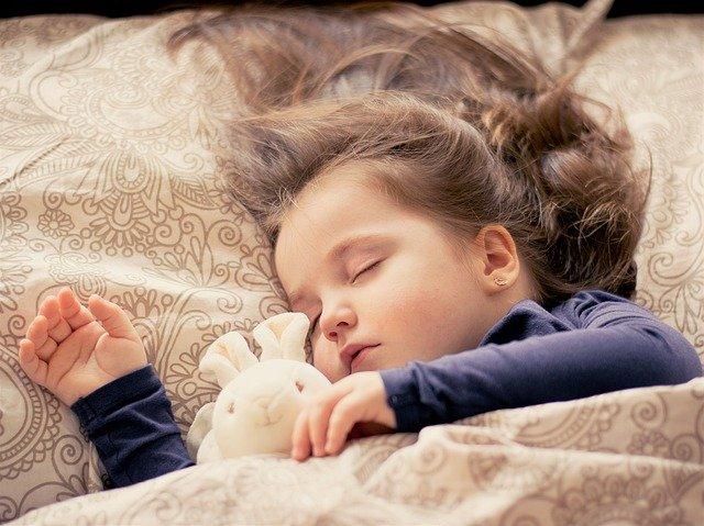 đắp chăn khi ngủ, giấc ngủ