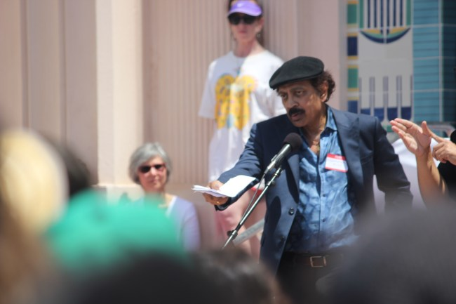 V.S. Ramachandran speaking at the San Diego March for Science. (Connor Gorry / The Triton)