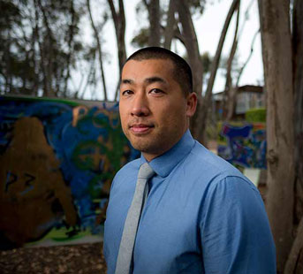 Photo of UC San Diego Professor Tom Wong
