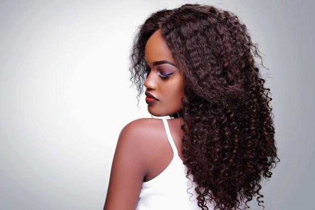 Une marque proche de sa clientèle. Modèle Zuri Luxury Hair.